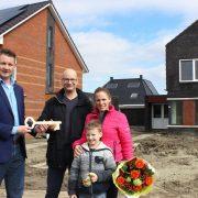 Oplevering zes aardgasvrije woningen aan De Nieuwe Gast in Zuidhorn